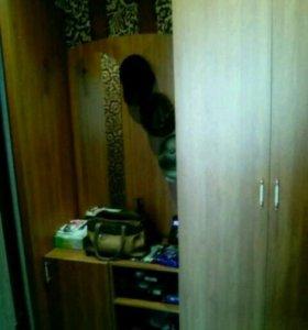 Два шкафа и две тумбочки для коридора + зеркало.