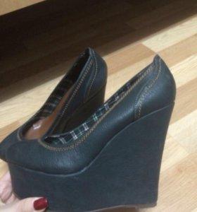 Продам туфли босоножки