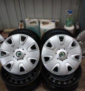 Комплект колпаков на Skoda Yeti r16