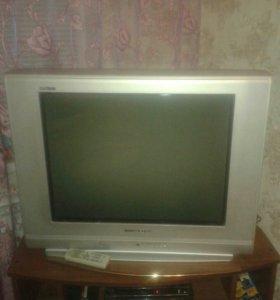 Телевизор работает без нареканий.