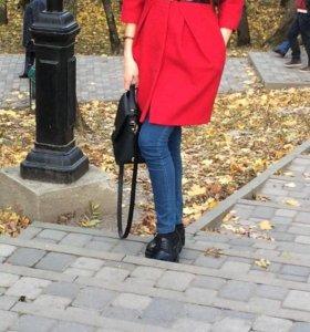 Пальто весенне- осеннее