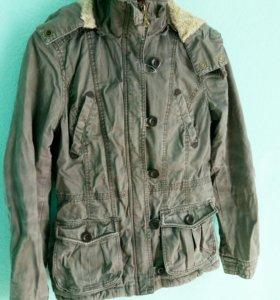 Куртка H&M 42 размер женская.