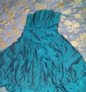 Платье 42 размер.