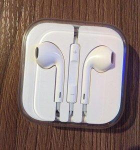 Наушники на iPhone 5s