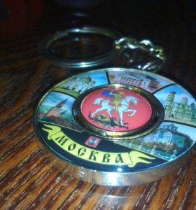 Брелок из Москвы сувенирный