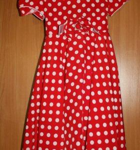 Красивое платье 32 р-р