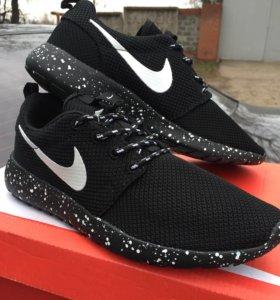 Кроссовки Nike RosheRun 36-40