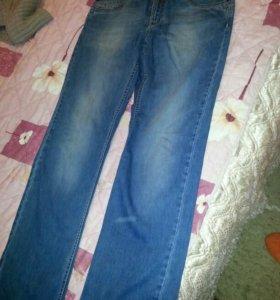 Много мужских джинсов и брюк б/у. Разные.48-52.
