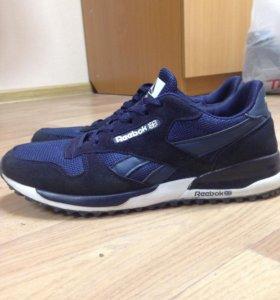 Продам мужские кроссовки Reebok
