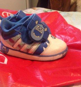 Оригинальные кроссовочки adidas