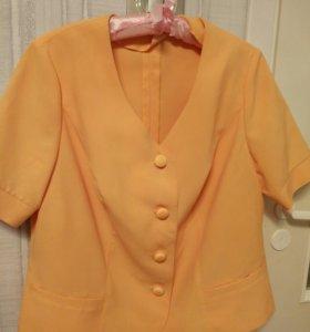 Продам женский костюм 50-52 размер