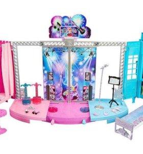 Сцена Барби рок-принцесса