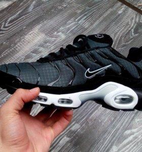 Кроссовки Nike Air TH
