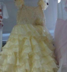 Платье на выпуской