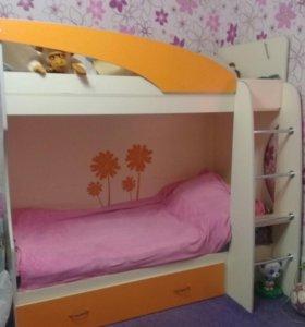 Продамдвухярусную кровать