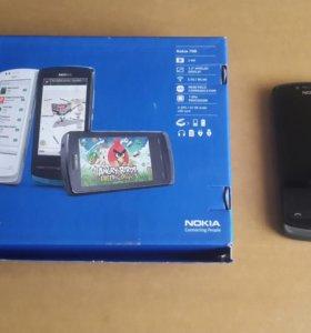 Смартфон Nokia 700.