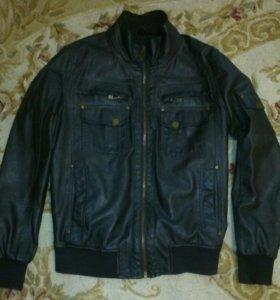 Куртка мужская демисезонная. Искуственная кожа