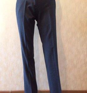 Новые женские классические брюки Motivi (р. XS)