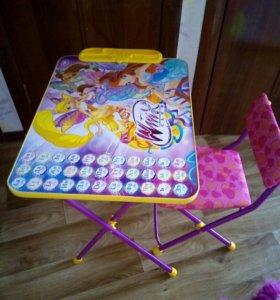 Детский столик со стклом