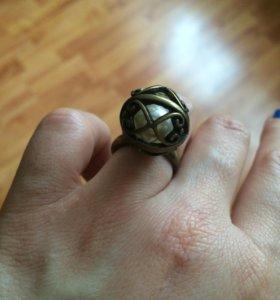 Винтажное кольцо в стиле 18 века