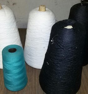 Ниткидля оверлога и производственных швейных машин
