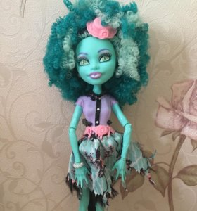 Кукла Monster High Ханни Свомп