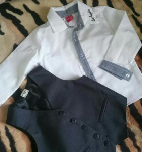 Рубашка,  жилетка, шорты.