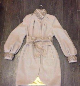 Демисезонные женские пальто 🌺