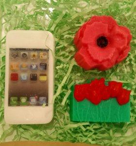 Подарочный набор мыла ручной работы- айфон и цветы
