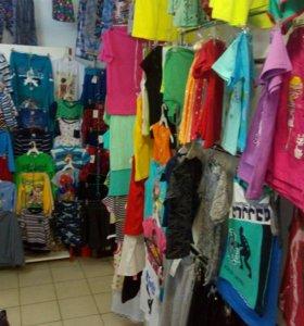 Отдел с текстилем, одежда для всей семьи