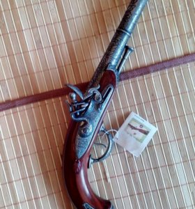 Пистолет сувенирный с кремневым замком