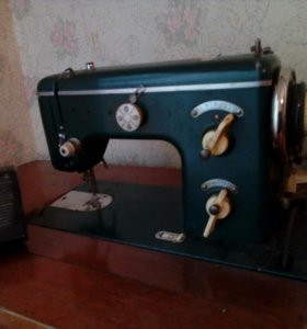 Швейная машина немецкая