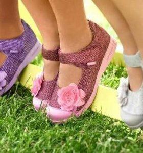 Босоножки, кеды, туфли