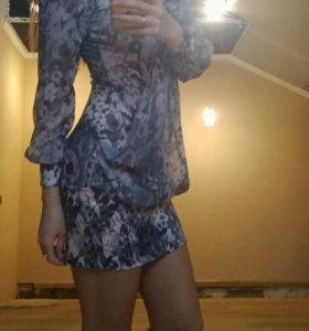 Платье строгое