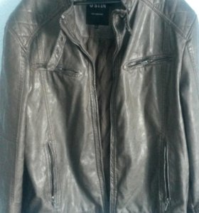 Мужская стильная кожаная куртка O'STIN