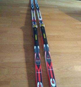 Беговые лыжи. 207 см. На вес 75-90 кг.