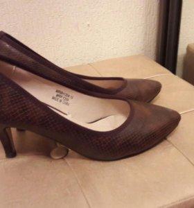 Туфли бежевые и коричневые