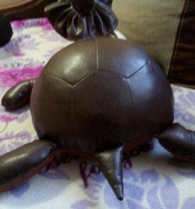 Черепаха кожаная, декор