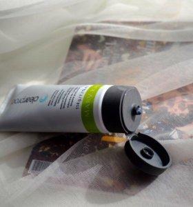 Маска на основе угля для глубокого очищения кожи