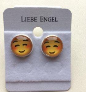 Серьги emoji