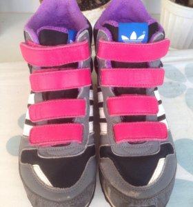Кроссовки- ботинки adidas