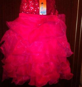 Платье выходное, новое, 6 лет