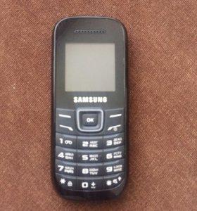 Мобильный телефон Samsung GT-E1200M