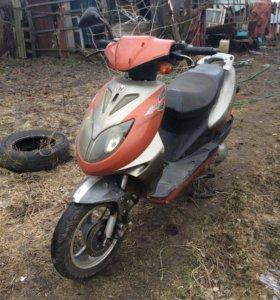 Продам или обменяю скутер.