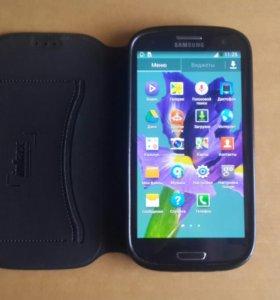 Смартфон Samsung Galaxy S3.
