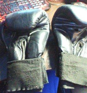 Боксерские перчатки Larsen
