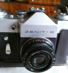 Зенит- В зеркальный фотоаппарат