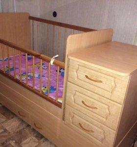 Детская кроватка до трёх лет