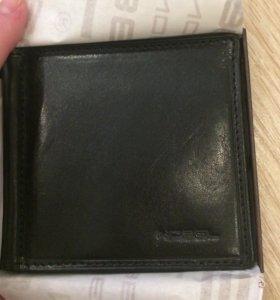 Новый зажим для денег