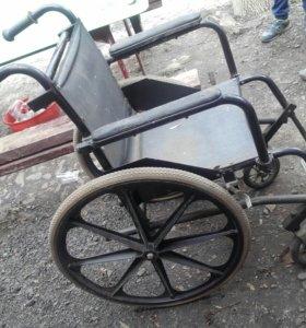 Отдам инвалидное кресло